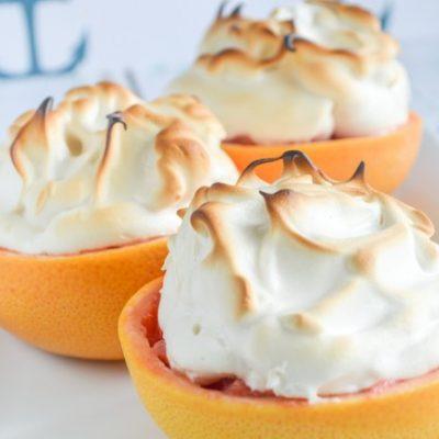 Легкий грейпфрутовый десерт с грушей и меренгой - рецепт с фото