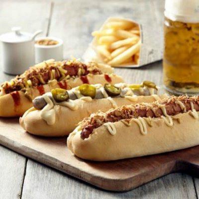 Немецкие закусочные булочки с колбаской - рецепт с фото