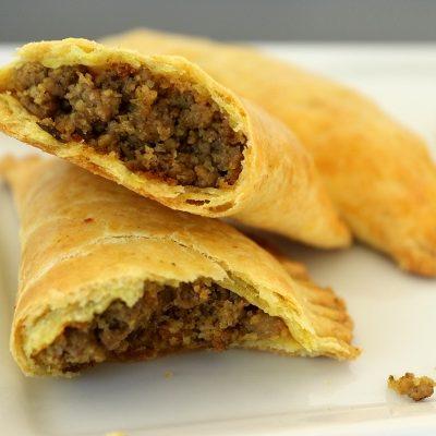Пирожки с мясом к борщу - рецепт с фото