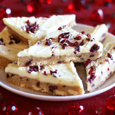 Пирожное Блонди с клюквой - рецепт с фото