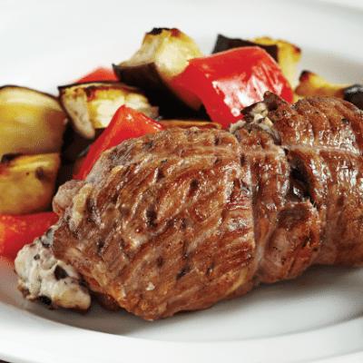 Свинина по-сербски, фаршированная колбаской и сыром - рецепт с фото