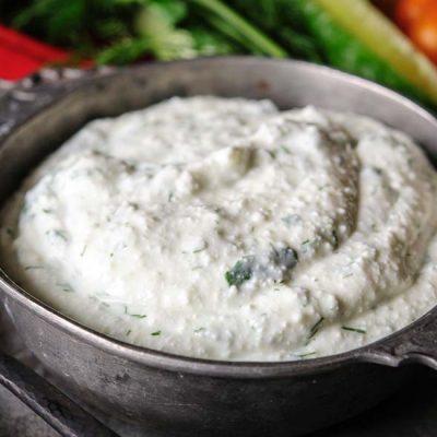 Ароматный творог с зеленью для закусок - рецепт с фото