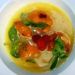 Десертный суп из ананасов и карамелизированных абрикосов