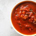 Диетический томатный суп с лимоном и куриным мясом