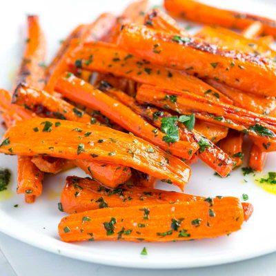 Морковь карамелизованная с зеленью и лимоном-гарнир - рецепт с фото