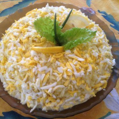 «Мужской» салат с овощами, зеленым горошком и говядиной - рецепт с фото