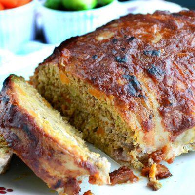 Мясной рулет из фарша с брюссельской  капустой и морковью - рецепт с фото