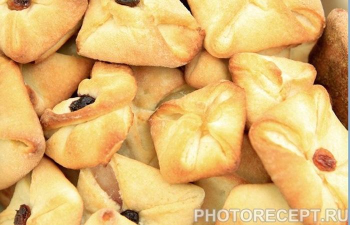 Печенье-конвертики с творогом и изюмом