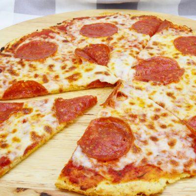 Пицца пепперони - рецепт с фото