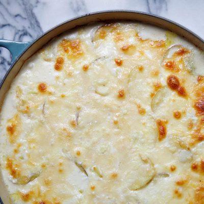 Праздничное запеченное блюдо из картофеля с сыром горгонзола - рецепт с фото