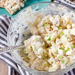 Салат из куриной грудки с яйцами и солеными огурцами
