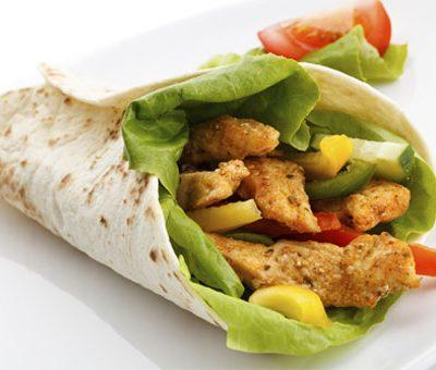 Шаурма по-домашнему с курицей, овощами и соусом айоли - рецепт с фото