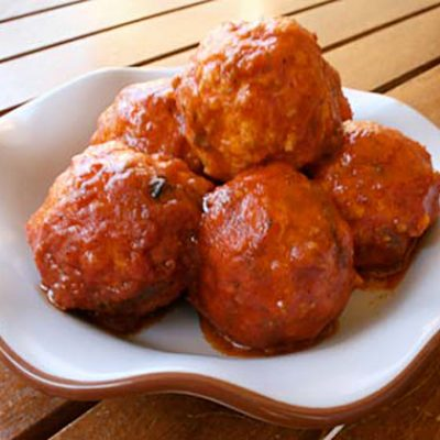 Тефтели куриные с рисом в томатном соусе - рецепт с фото