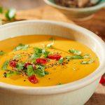 Вегетарианский морковно-тыквенный суп с имбирем