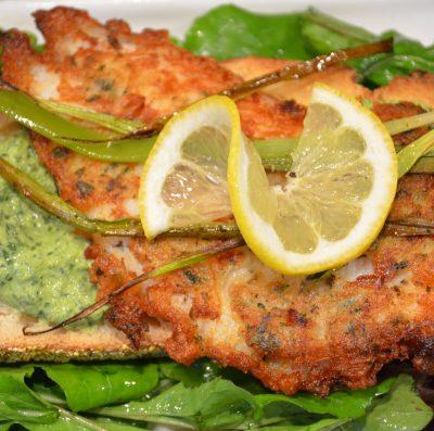 Жареная рыба в кляре с щавельным соусом - рецепт с фото