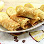 Тонкие блинчики с банановой начинкой