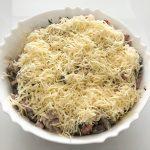 Праздничный салат с ветчиной и грибами