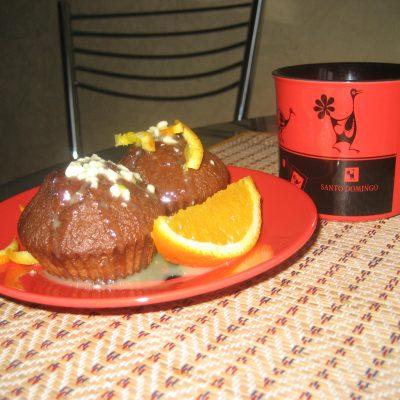 Шоколадные пирожные с апельсиновым соусом - рецепт с фото