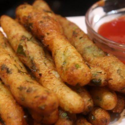 Картофельные колбаски с творогом и зеленью - рецепт с фото
