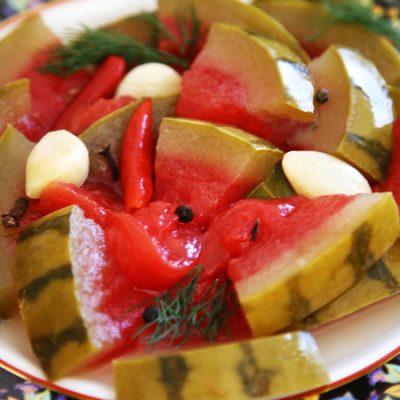 Маринованный арбуз  в виде закуски - рецепт с фото