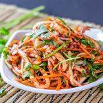 Морковный острый салат с кальмарами по-корейски