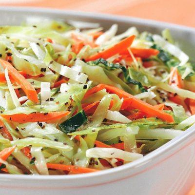 Постный салат из капусты и моркови - рецепт с фото