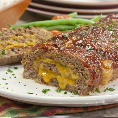 Рулет из свино-говяжьего фарша с сыром, запеченный в фольге - рецепт с фото