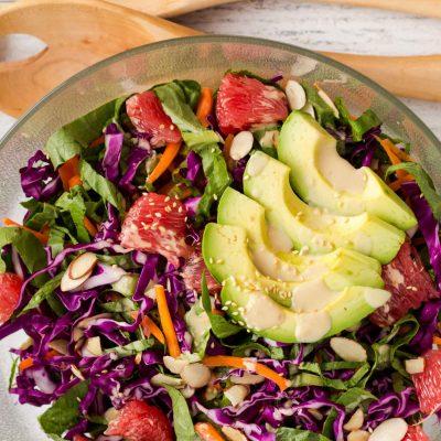 Салат из красной капусты с грейпфрутом и авокадо - рецепт с фото