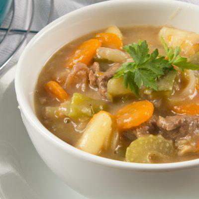 Суп по-австралийски из говядины с сельдереем и картофелем - рецепт с фото