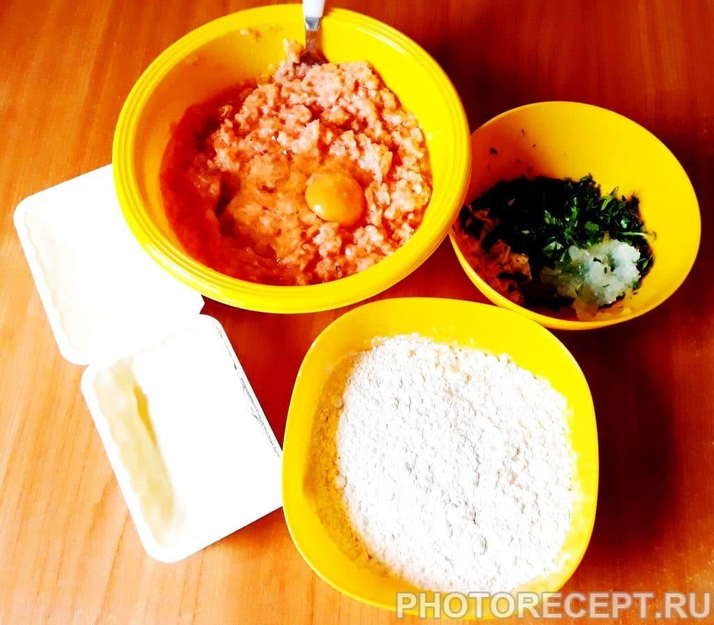 Фото рецепта - Рыбные котлеты с плавленым сыром, запеченные в духовке - шаг 1