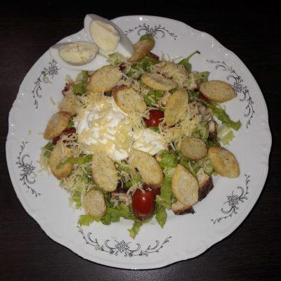 Салат «Цезарь» по-домашнему - рецепт с фото