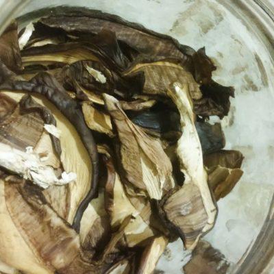 Сушеные грибы - рецепт с фото