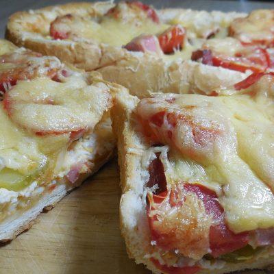 Пицца для ленивых — пицца в батоне - рецепт с фото