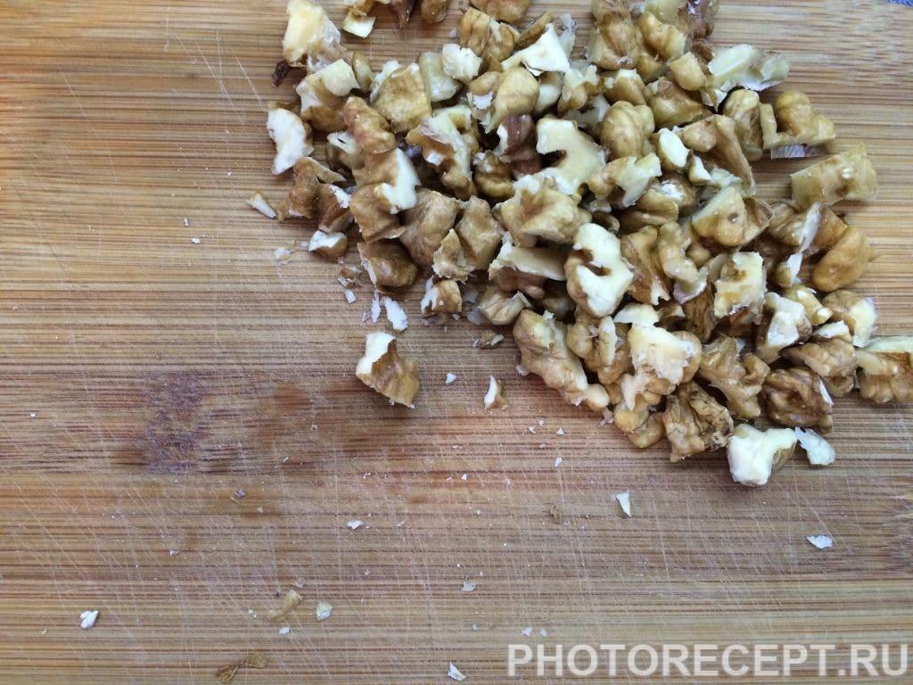Фото рецепта - Шарлотка с корицей и грецкими орехами - шаг 1