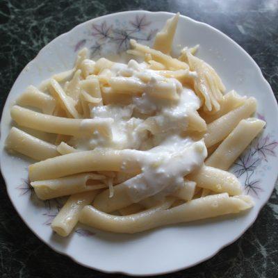 Дудочки с чесночным соусом - рецепт с фото