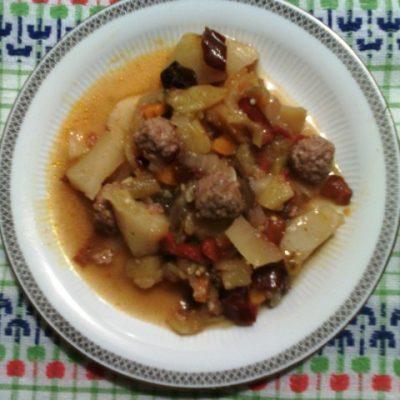 Овощное рагу с фрикадельками - рецепт с фото