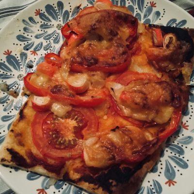 Бюджетная «пицца» для ленивых - рецепт с фото