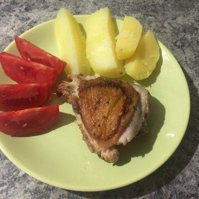 Куриные бедрышки в пикантном соусе - рецепт с фото
