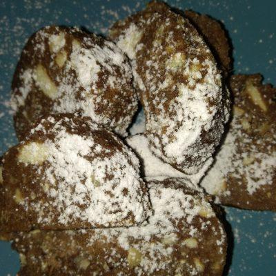 Шоколадная колбаса с грецким орехом - рецепт с фото