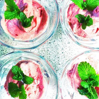 Бананово-ягодное мороженое - рецепт с фото