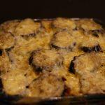 Запеченные баклажаны с картофелем и сыром