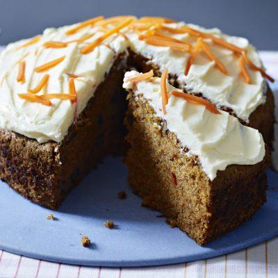 Пирог «Морковные грёзы» с сырной глазурью - рецепт с фото
