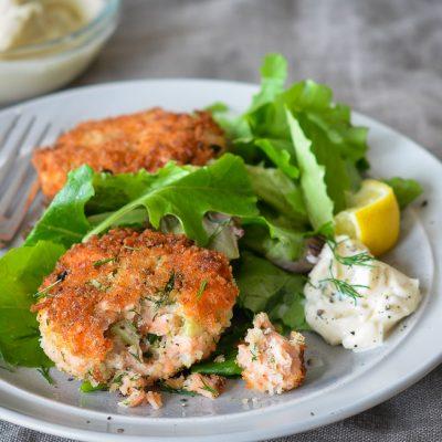 Закуска — крокеты картофельные с зеленью и лососем - рецепт с фото