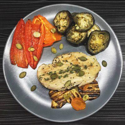 Куриная грудка с овощами - рецепт с фото