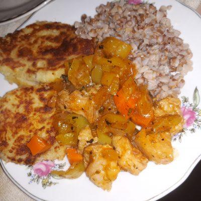 Мясная подлива перцем и морковью - рецепт с фото