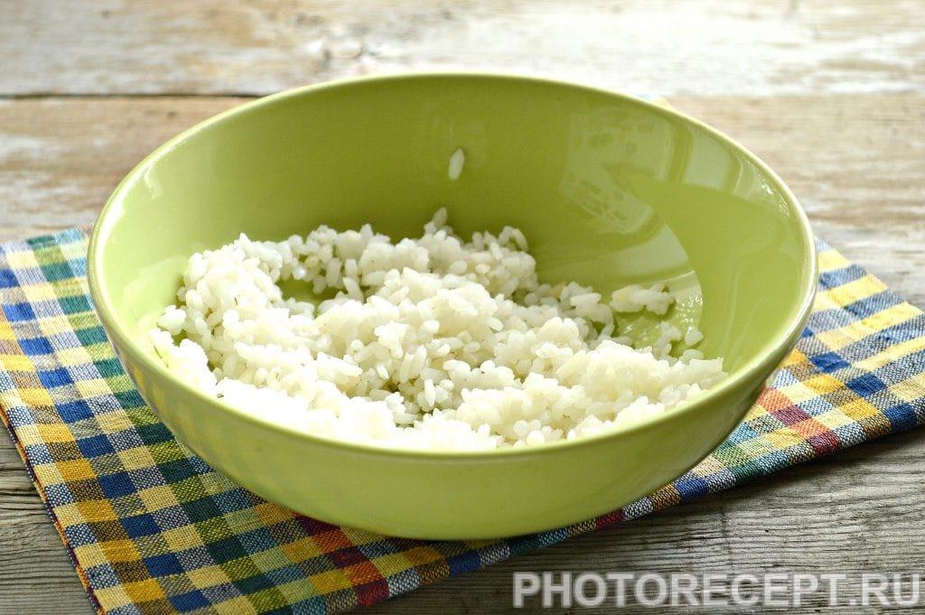 Фото рецепта - Вкусная начинка для блинов из риса и грибов - шаг 4