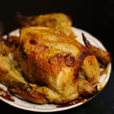 Курица запеченная целиком в духовке - рецепт с фото