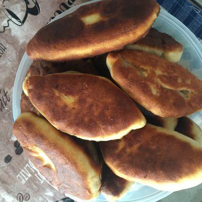 Быстрые пирожки на сковородке - рецепт с фото