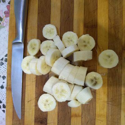 Фото рецепта - Питательное банановое молоко с корицей - шаг 2