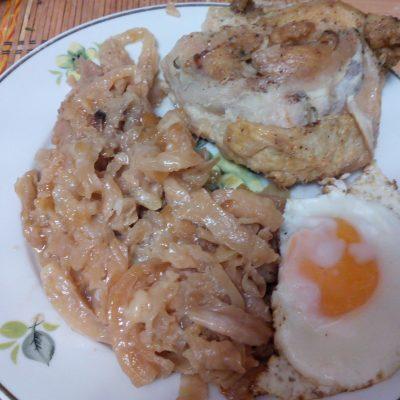 Капуста с курицей запеченная в рукаве - рецепт с фото